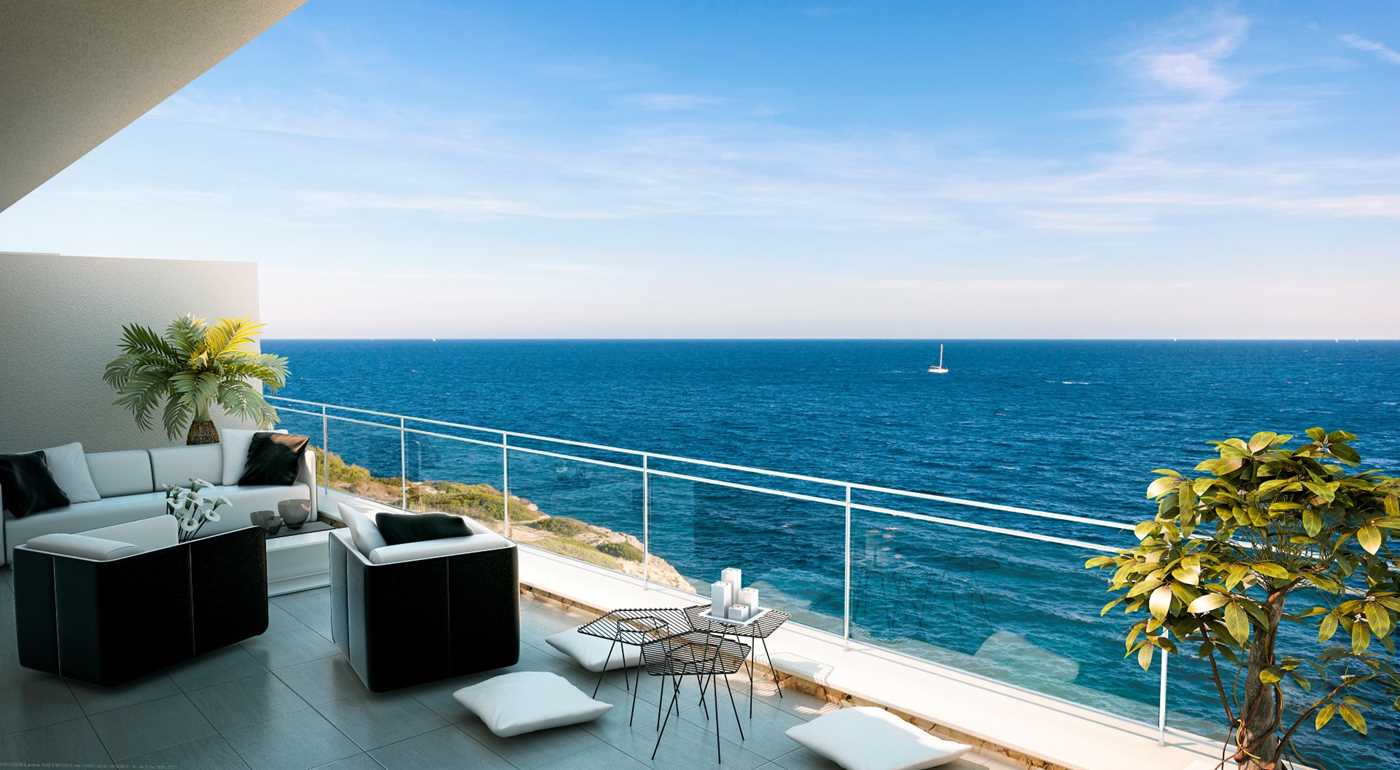 Unique sea frontline investment opportunity with fabulous outdoor space